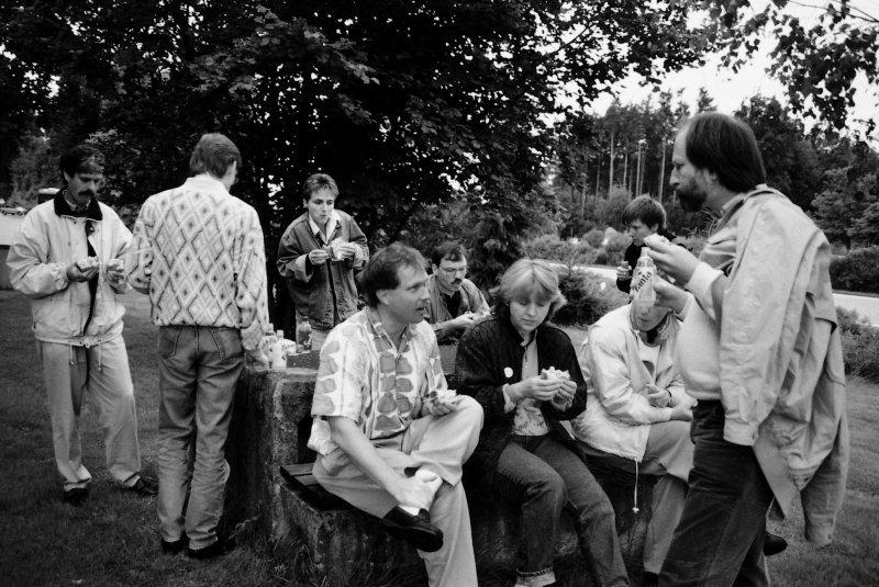 Zwischenhalt auf der Vereinsfahrt ins Appenzellerland. Aufnahme von 1990.